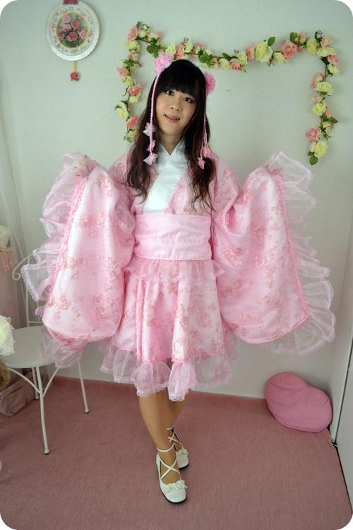 pinkrorikimono01.jpg