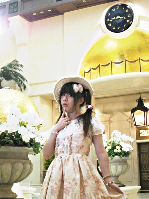 リズリサのロリィタ風の服で撮影してきました